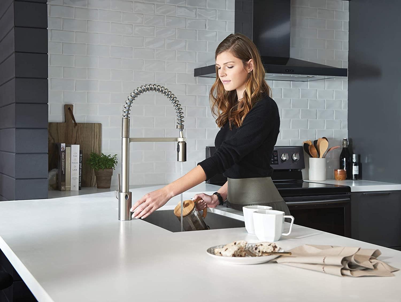 best touchless kitchen faucet